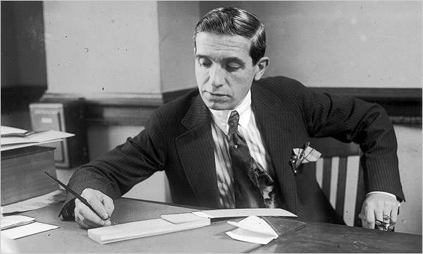 Charles Ponzi, Pioneer for operating Ponzi scheme.